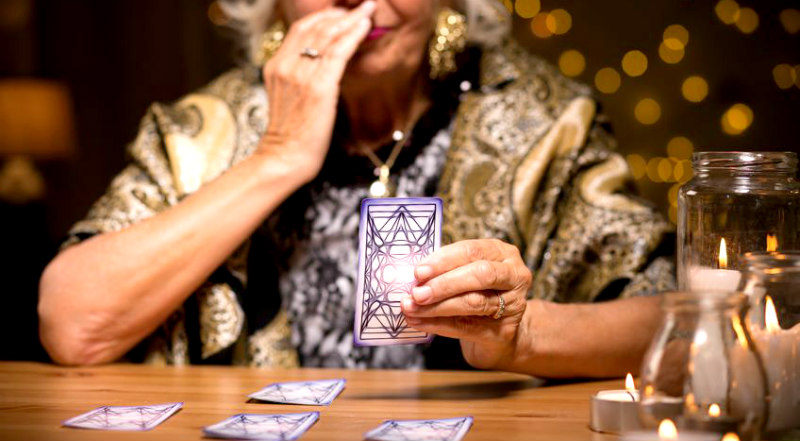 7 Reasons Why You Need A Tarot Reading Today